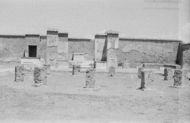 33 Pompeii