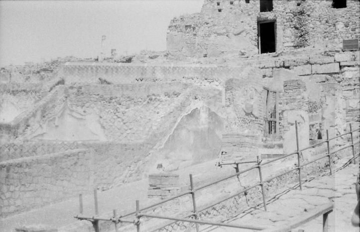 11 Pompeii