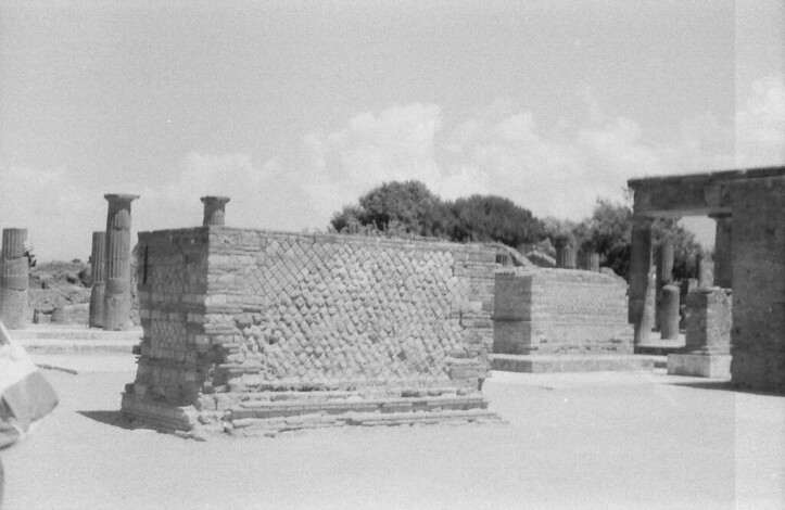 23 Pompeii