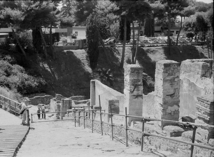 14 Pompeii